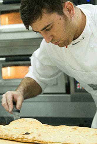 הפיציולו האיטלקי אלסנדרו לו סטוקו, הפיציולו הבכיר של ספדוני, אשר נחשב לווירטואוז בתחומו, מתמחה בהעברת השתלמויות מקצועיות בתחום אפייה וייצור פיצות ברחבי העולם.