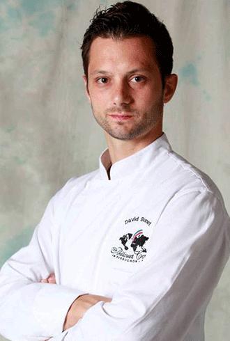 דוד בונה, מהקונדיטורים הצעירים והמעניינים בפריז ואחד מאנשי ההכשרה המובילים בבית הספר הפריזאי, Bellouet Conseil כמו גם ברחבי העולם כולו.